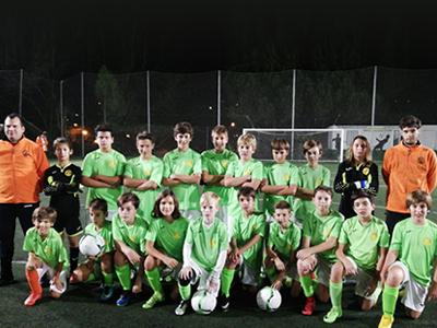 Equipo infantil de fútbol del CEV